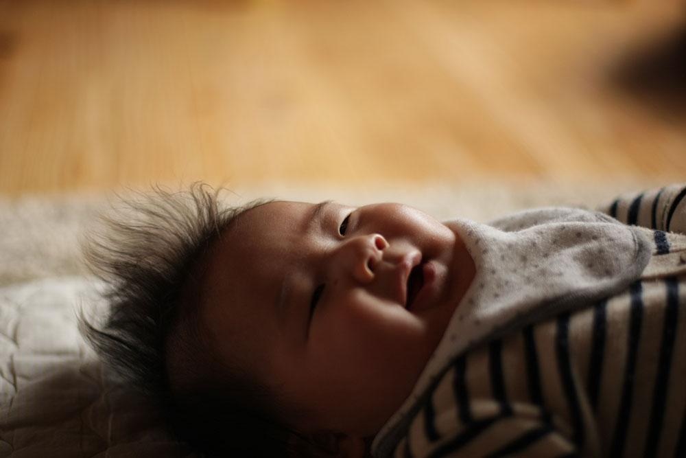 100日祝いを迎える頃の赤ちゃん